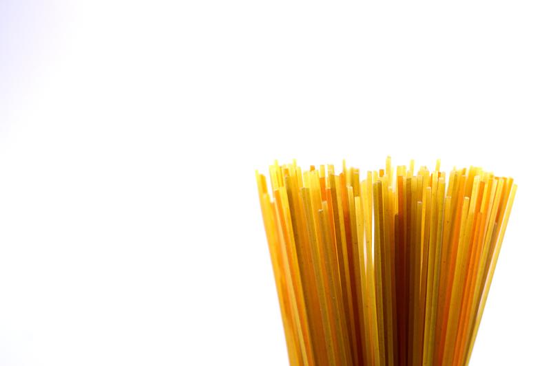 raw spaghetti close up