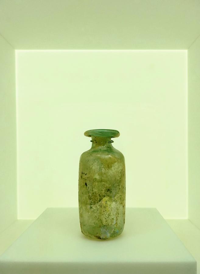 Levant glass jar D-low
