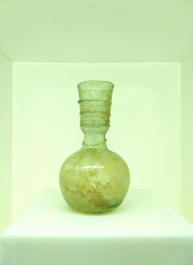 Levant glass jar F