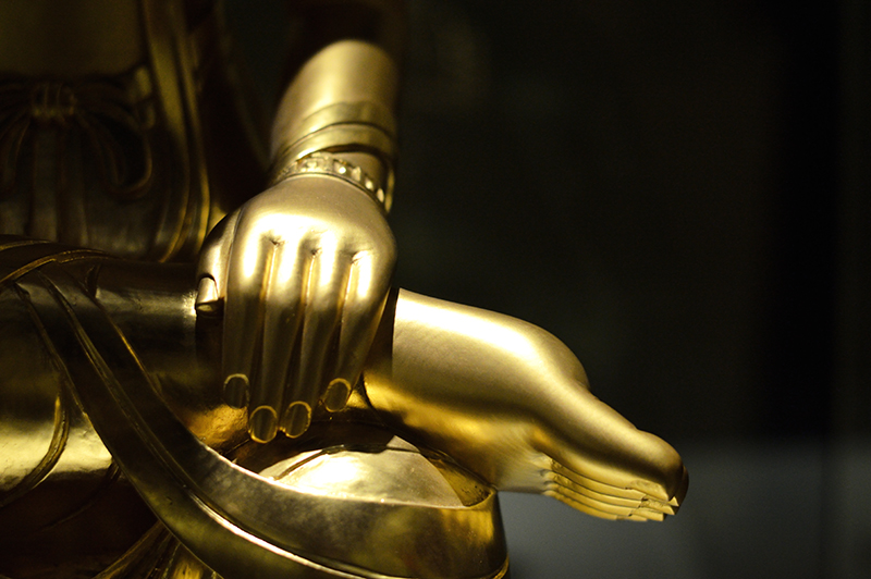 close up of golden sculpture-low