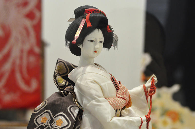 traditional japanese doll-low