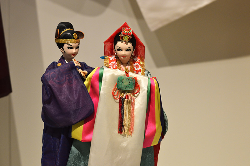 traditional korean dolls